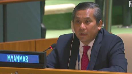 Myanmars Botschafter bei der UNO, Kyaw Moe Tun, spricht am 26. Februar auf der Generalversammlung.