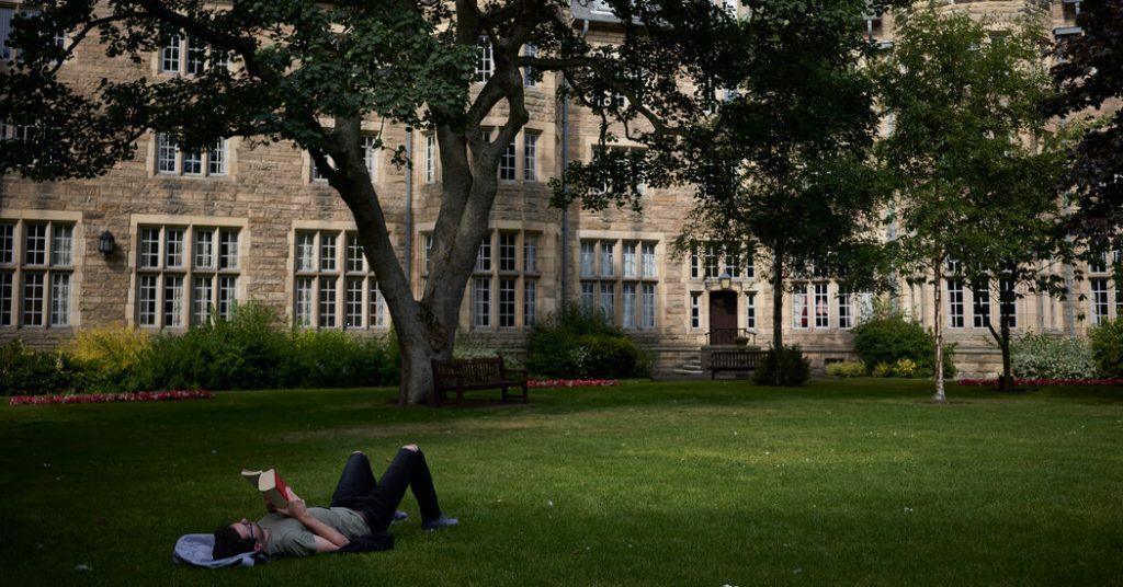 Die schottische Universität appelliert an Ire, die Leiterin der Frauenstudien zu entlassen