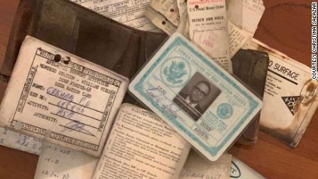 Der Meteorologe der Marine verlor die Brieftasche in der Antarktis und fand sie 53 Jahre später wieder