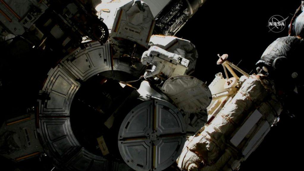 Beobachten Sie NASA-Astronauten auf ihrem Weltraumspaziergang am Samstag
