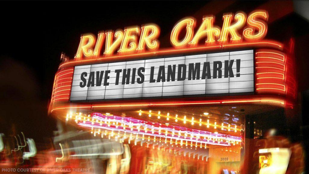 Dutzende Menschen protestierten gegen die dauerhafte Schließung des historischen River Oaks Theaters