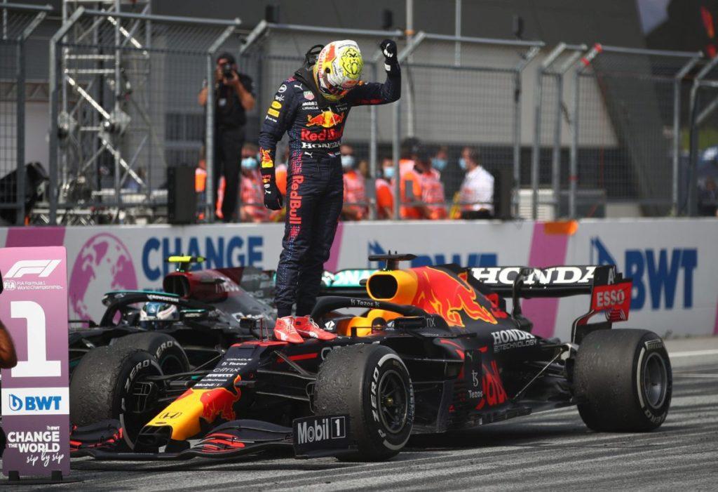 UHR: Red Bull würdigt Italiens EM-2020-Sieg glorreich, während die Ferrari F1-Crew zuschaut