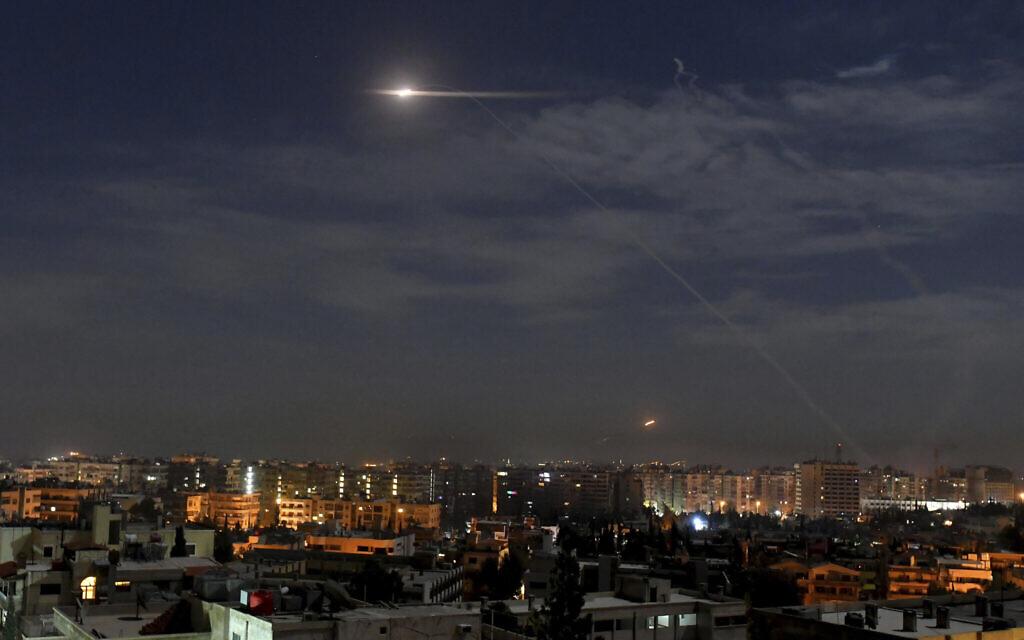 Berichten zufolge trafen israelische Jets zum zweiten Mal innerhalb von Tagen in Syrien ein