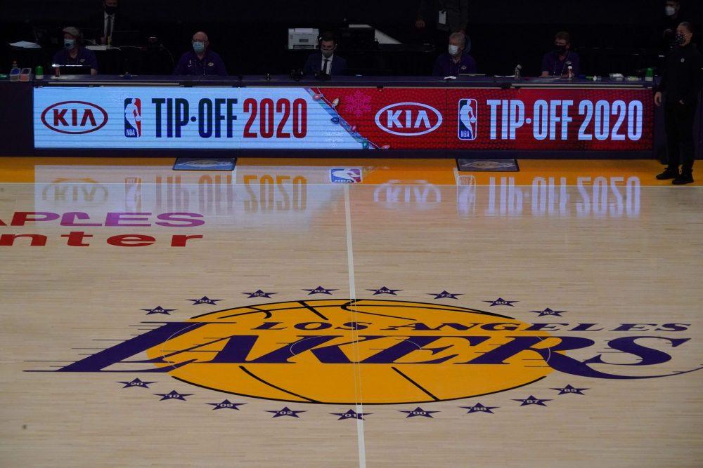 Da nicht genügend Laker-bezogene Inhalte in Arbeit sind, hat Netflix eine von Lakers inspirierte Komödie entzündet