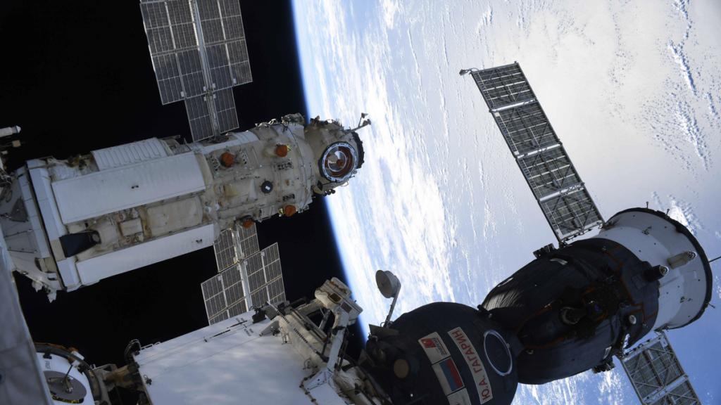 Laut Russland löste ein Softwarefehler die Triebwerke durch das Nauka-Modul aus, nachdem sie an die ISS angedockt waren