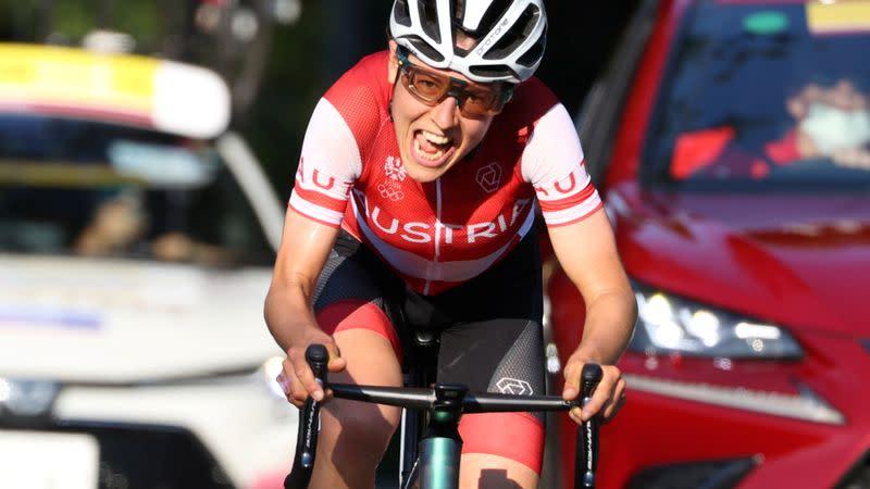 Olympia-Radsport-Österreich Kiesenhofer verblüfft Niederländer, die verwirrt sind, Straßengold zu gewinnen