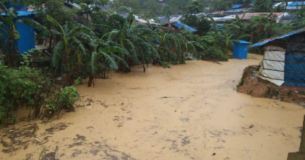 Tausende Menschen wurden vertrieben, als Überschwemmungen Rohingya-Lager in Bangladesch heimsuchten
