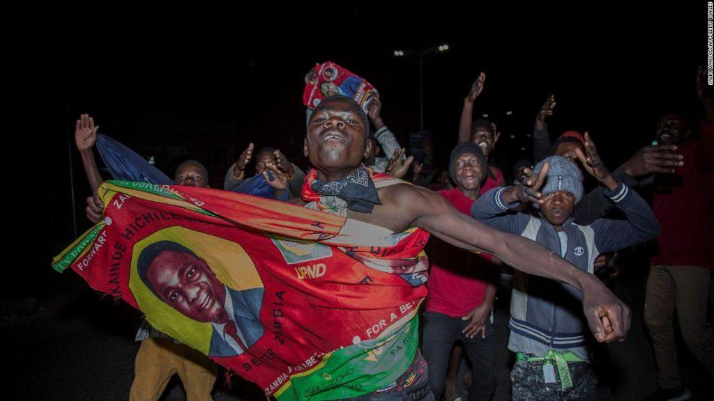 Sambias Hakainde Hichilema als Präsident vereidigt, der seltene Sieg des afrikanischen Oppositionsführers
