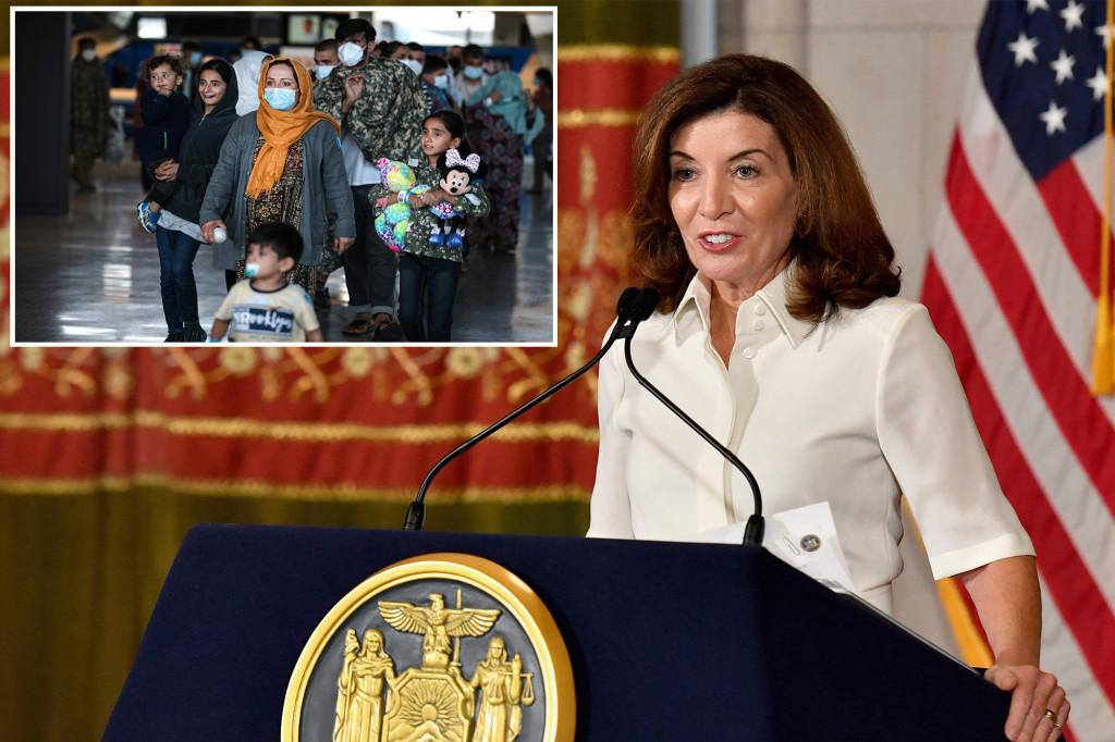 New York ist bereit, fast 1.000 afghanische Flüchtlinge aufzunehmen, sagt Hochul