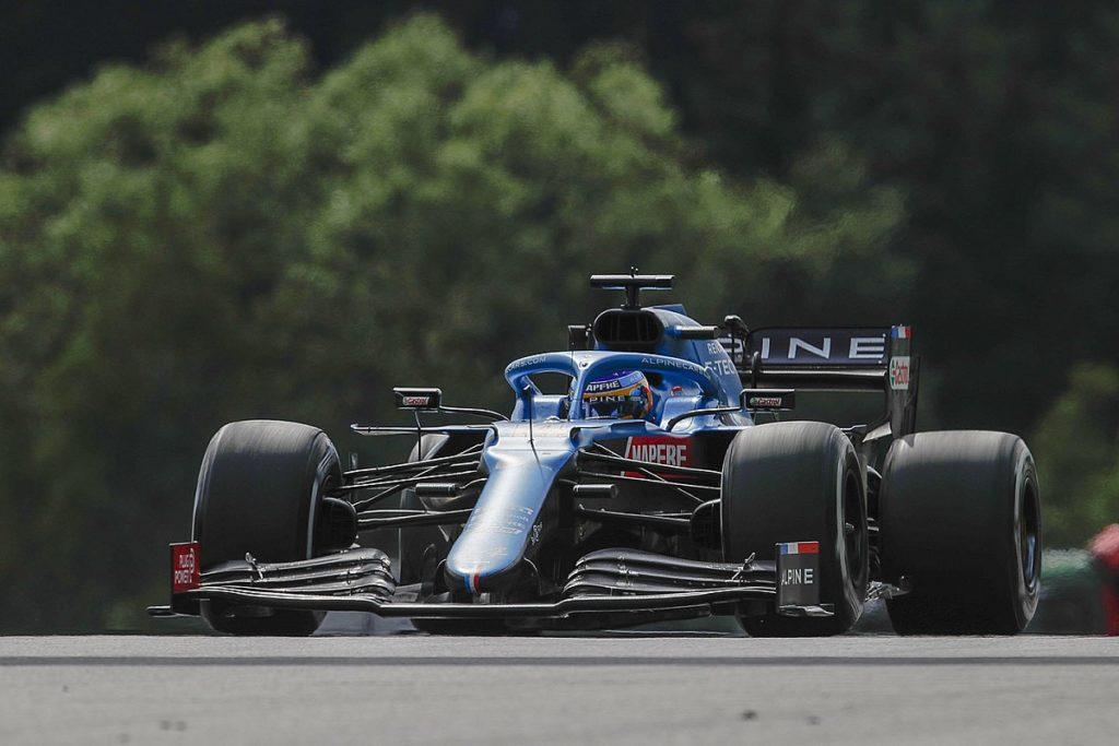 """Alonso fühlte sich """"traurig"""", als er Russell in Österreich den letzten F1-Punkt holte"""