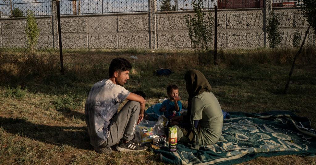 Afghanische Flüchtlinge finden harte und feindliche Grenze in der Türkei