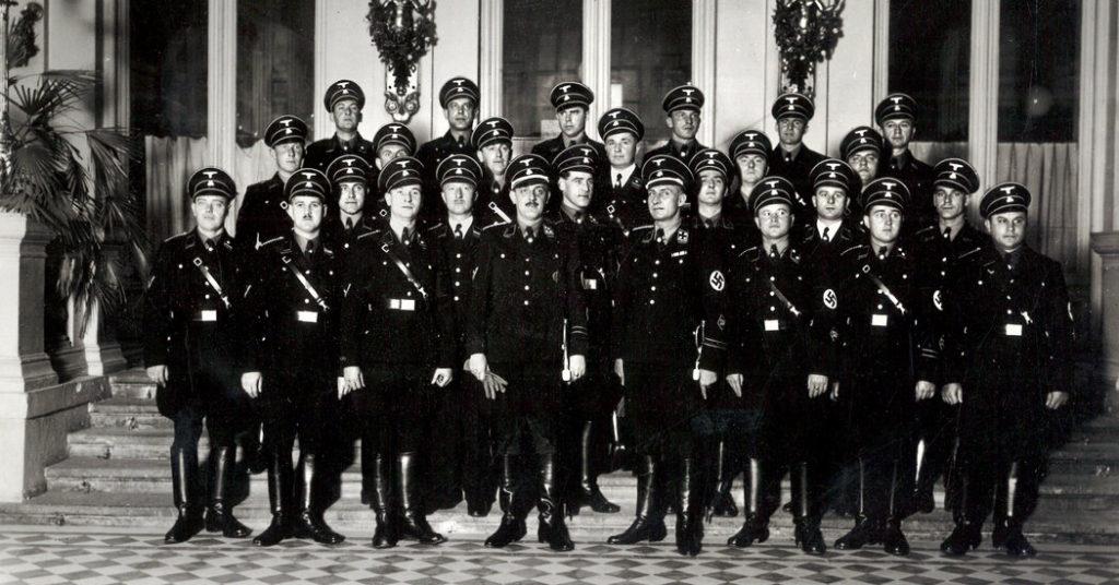 Er führte Hitlers Geheimpolizei in Österreich.  Dann spionierte er für den Westen.