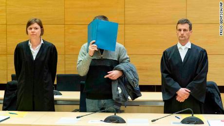 Der Mann, der die Sandwiches seiner Kollegen vergiftete, die lebenslänglich eingesperrt waren