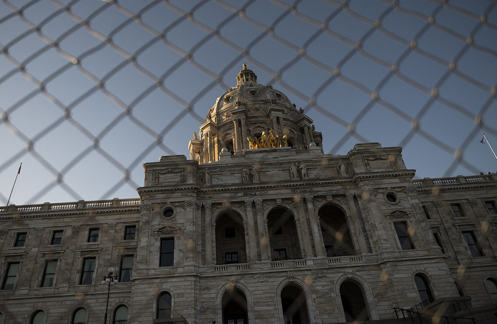 Mehrere Festnahmen bei Protest gegen Pipeline in der Nähe des Minnesota State Capitol