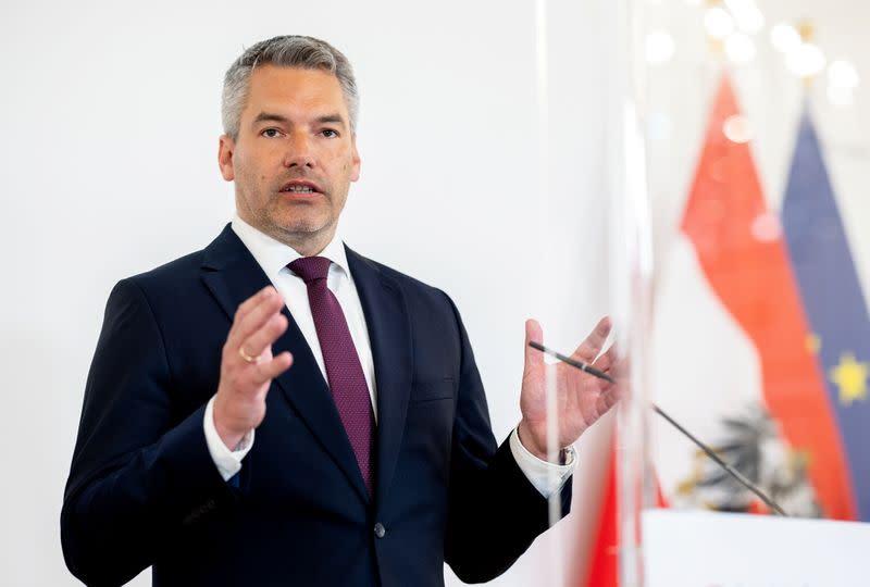 """Österreich fordert """"Abschiebezentren"""" zur Aufnahme von Afghanen in der Nähe von Afghanistan"""
