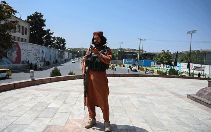 """Taliban-Behandlung von Frauen eine """"rote Linie"""", sagt UN-Rechtschef"""