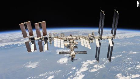 Neue Toiletten, die auf der Grundlage von Astronauten-Feedback entworfen wurden, kommen auf der Raumstation an