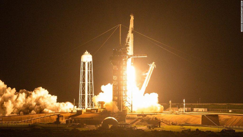 SpaceX hatte ein Problem an Bord des ersten rein touristischen Fluges.  es hätte viel schlimmer kommen können