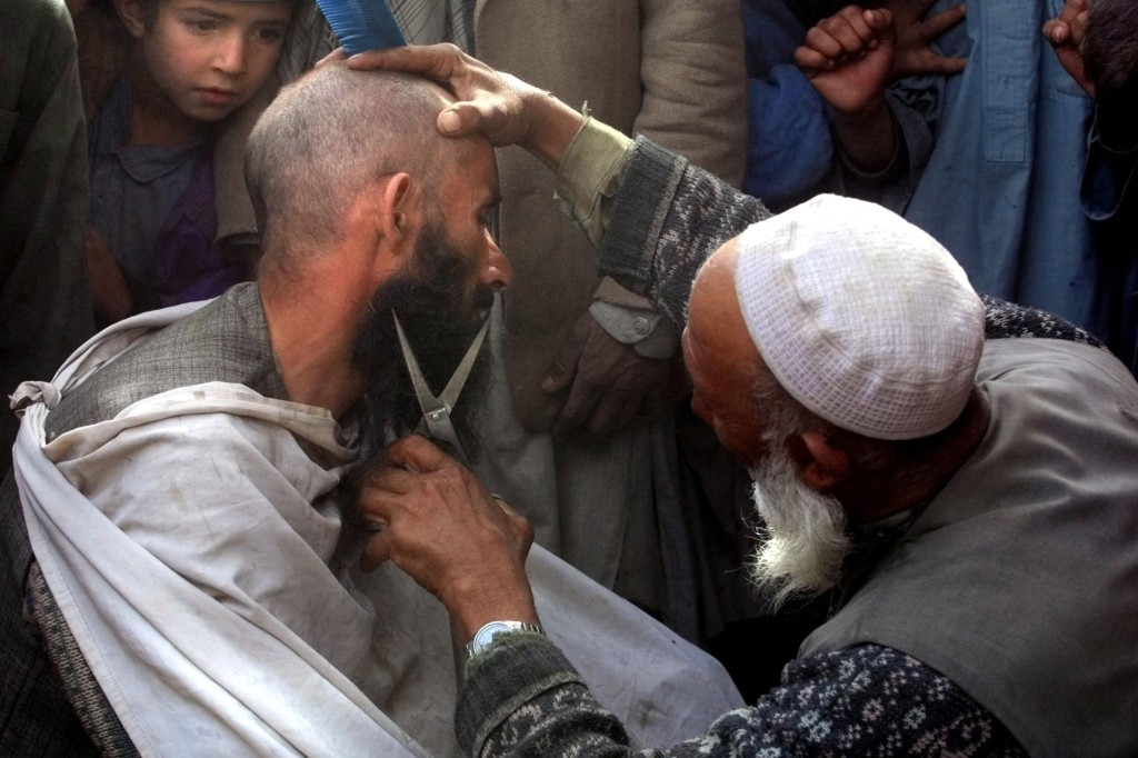 Taliban verbieten afghanischen Friseuren das Bartschneiden