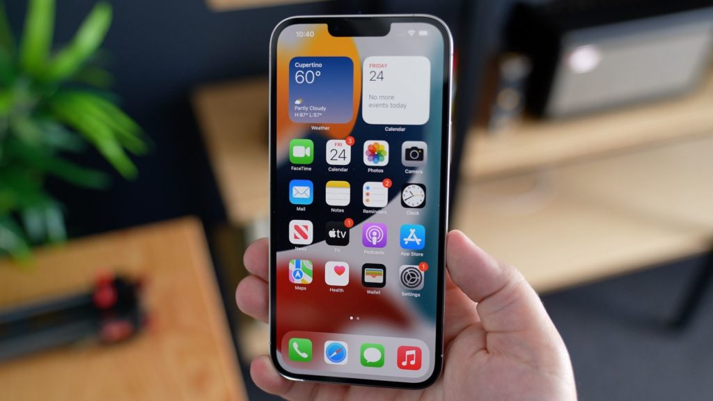 Einige iPhone 13-Benutzer berichten von zeitweiligen Berührungsproblemen, ältere Modelle sind auch nach dem Update auf iOS 15 betroffen