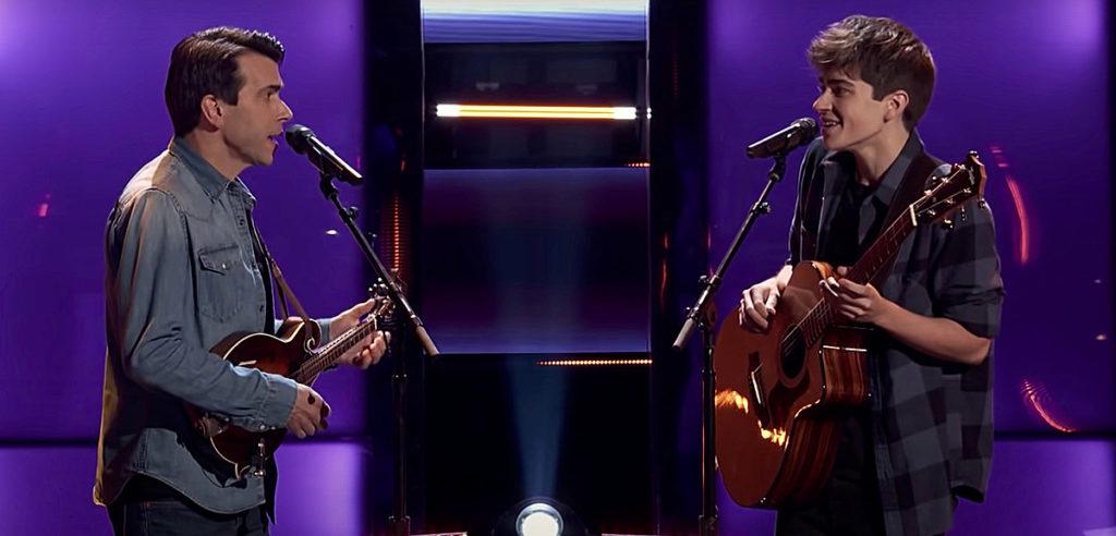 """Newtown-Vater und Sohn singen sich zu NBCs """"The Voice"""""""