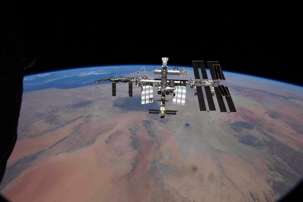 Kosmonaut teilt neue Perspektive der Internationalen Raumstation - Spaceflight Now