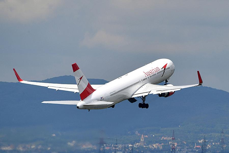 Erstflug von Austrian Airlines landet in Cancun