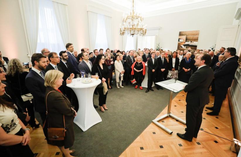 Österreichische jüdische Führer sind zuversichtlich, dass die Beziehungen zur neuen Kanzlerin gut bleiben werden