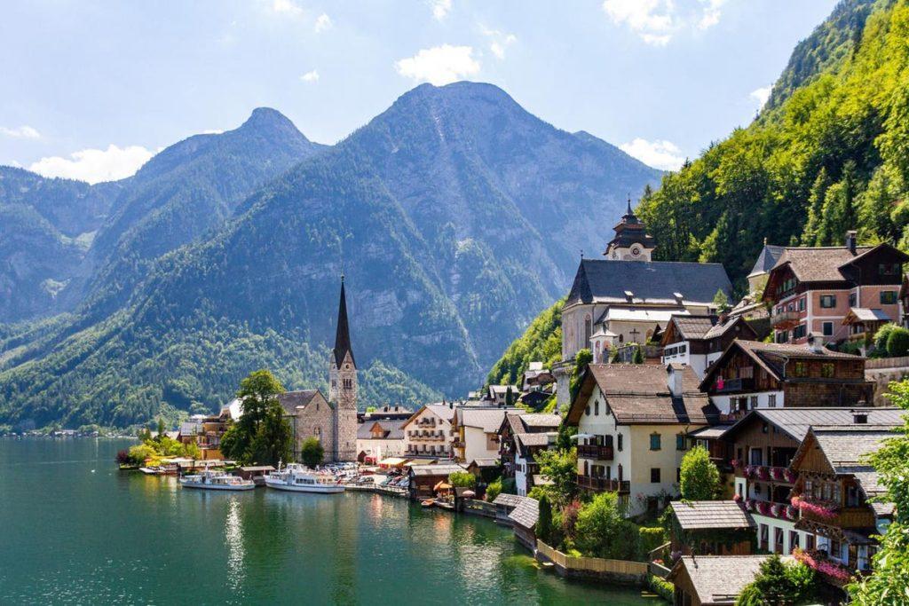 Österreichisches Dorf, das Frozen inspiriert hat, bittet Touristen, sich fernzuhalten |  Londoner Abendstandard