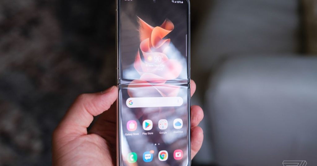 Samsung versucht in einem neuen Testvideo zu beweisen, dass seine faltbaren Telefone widerstandsfähig sind